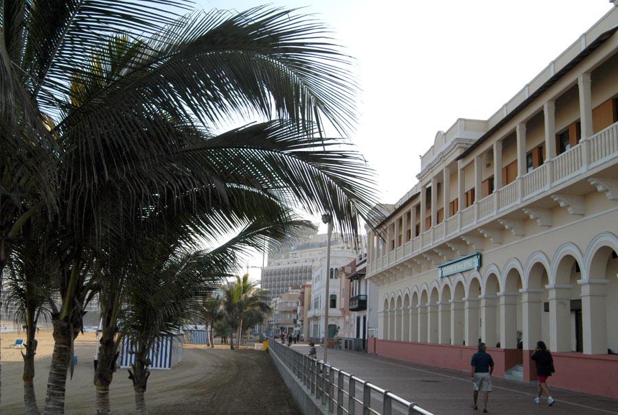 Edificios singulares: La Clínica San José (LIBRO BLANCO: Las Canteras y Bahía del Confital)