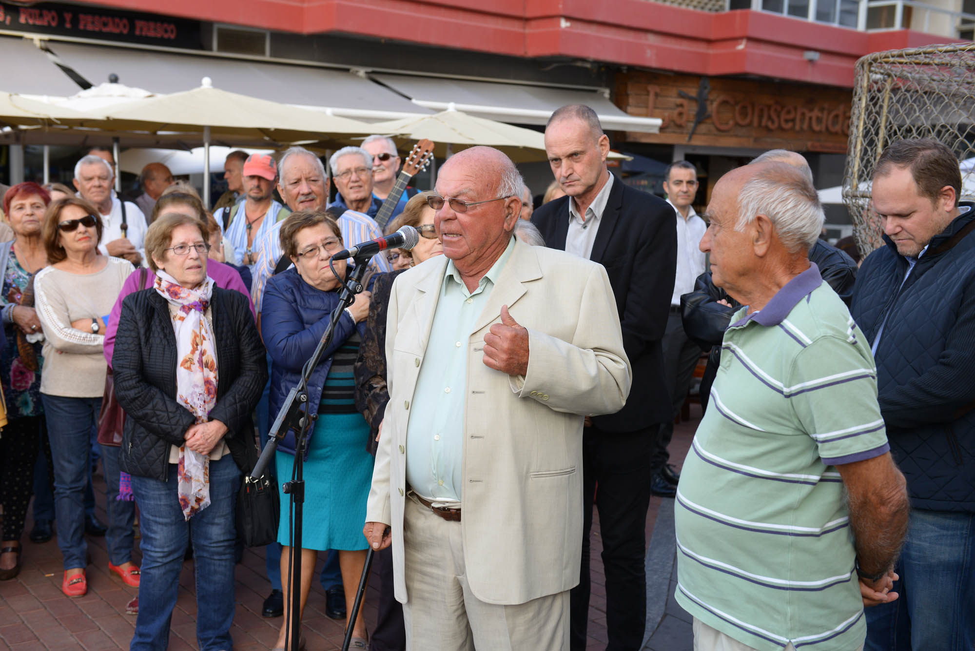 Homenaje a los Momo: De la emoción de Tito a la camisas de naylon
