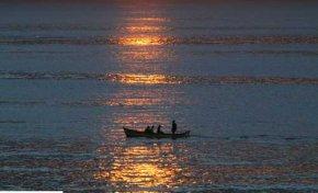 Los pescadores profesionales de Las Canteras se sienten perseguidos por la  inspección pesquera
