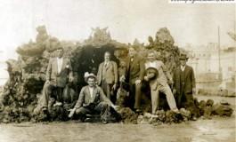 Parque Santa Catalina antiguo. Delante de la cueva de los pescaditos-colecc. Báez Quevedo