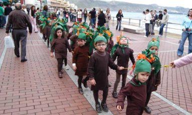 Al grito de Viva el Carnaval la pollería disfrutó de su carnaval en el paseo