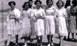 Tita, Rita, Mª Rosa, Josefina y Mari de paseo por Avenida de Las Canteras- año 1954.