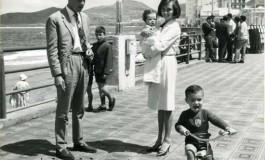 Totoyo MiIllares con su familia en 1964-colecc. Yuri Millares