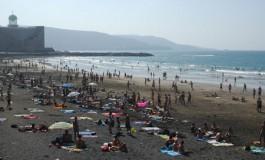 La playa de Guanarteme a tope