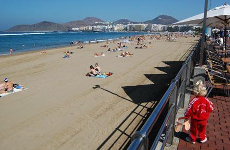 Mama, mama ¡¡¡ la playa es el mejor parque infantil natural del mundo, para que más mamotretos…..