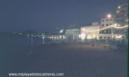 La Playa Chica de noche-sobre 1988-1990-.