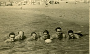 En la Playa Grande, 1952