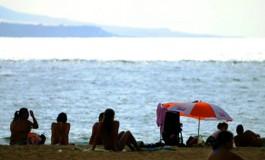 Llega el fin de semana, gocemos del sol y del mar en Las Canteras ¡¡¡.