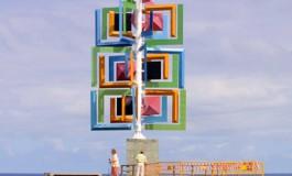 Se termina la restauración de la escultura de César Manrique El Juguete del Viento sita en la plaza de La Puntilla.