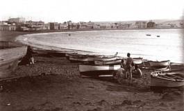 Vista antigua de la playa de Las Canteras desde La Puntilla.