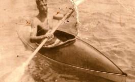 Cristóbal Tacoronte Medina en su yola tras ganar un campeonato en Las Canteras-1940- colecc. Familia Tacoronte.