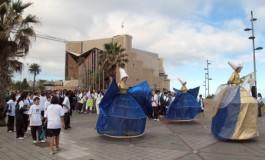 Hoy se celebró una pequeña concentración popular para apoyar la candidatura de Las Palmas G.C. a Capital Europea de la Cultura.