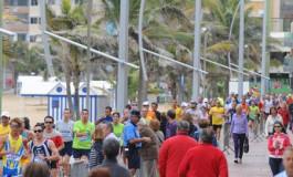 El paso de la Maratón de Gran Canaria por Las Canteras, todo un espectáculo ¡¡¡  ( Más fotos en actualidad).