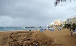 Tiempo de playa solo para mujeres y hombres duros.