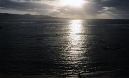 El sol se deja ver por la tarde.
