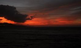 Y la tarde se volvió roja, y quizás llueva al amanecer…..