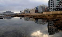 Playa reflejada.