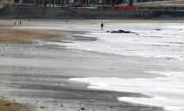 Playa de arena negra.