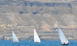 Sol y viento, barquillos en la Bahía de El Confital.