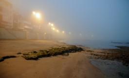 La playa de Las Canteras amanece dentro de una nube I.
