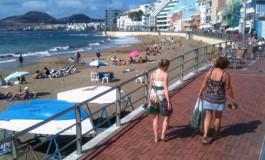 La playa de Las Canteras de buenas tardes.