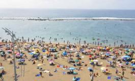 De domingo en la playa de Las Canteras ( Foto: Octavio Artiles).