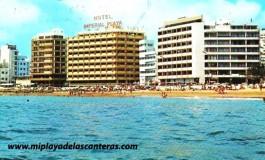 La playa de Las Canteras en la década de los 80.