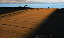 La alfombra de arena que te acerca al mar.