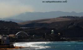 El incendio de Tejeda visto desde Las Canteras.