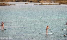 Remando en el paddle.