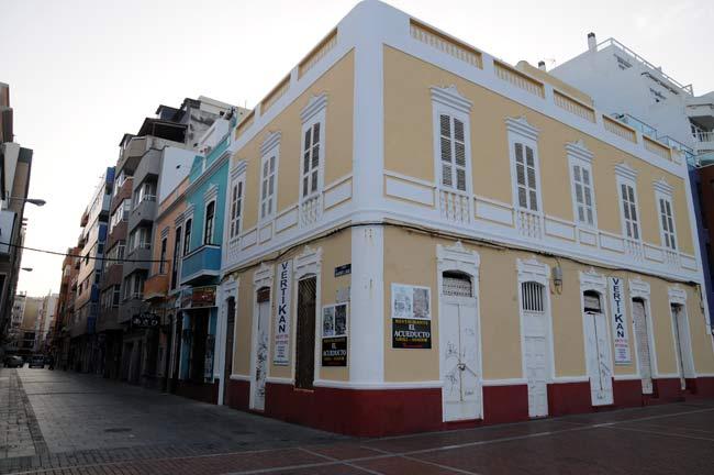 """Edificios protegidos del entorno de la playa de Las Canteras 7 de 8: """"Conjunto de Casas de Planta Alta"""""""