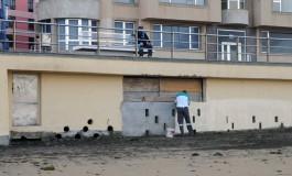 Foto noticia: Gracias a nuestra denuncia el muro recibió una mano de pintura.
