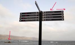 Después de varios meses instalados las señales turísticas del paseo siguen conteniendo decenas de errores de señalización.