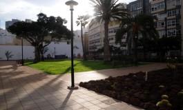 """El rehabilitado parque """"Pino Apolinario"""" entusiasma a los vecinos de Farray-Las Canteras."""