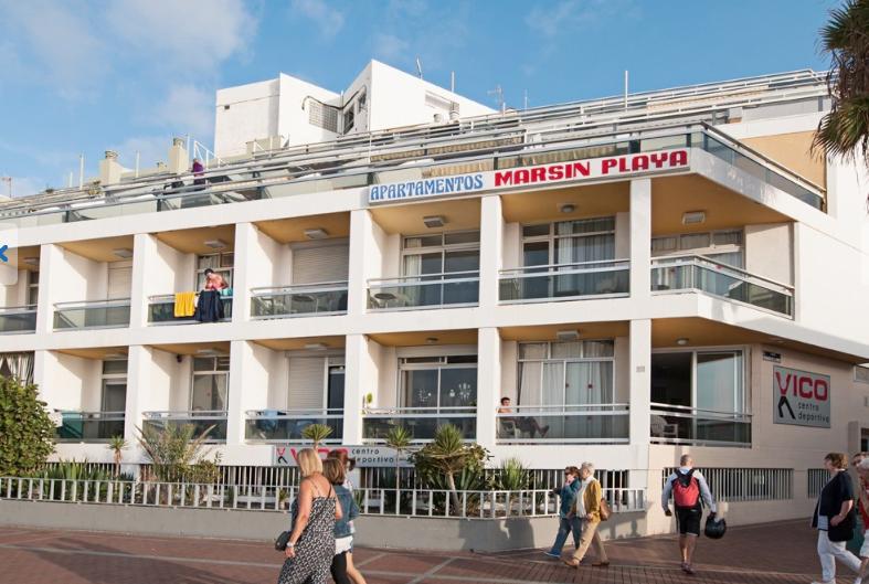 Se alquilan apartamentos en las canteras primera l nea de playa raz n aqu miplaya - Apartamentos baratos en las canteras ...