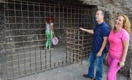 Visita institucional a las Cuevas de los Canarios en El Confital/ El Cabildo culmina un plan de choque para su recuperación.