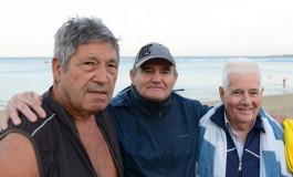 Junto a los dos Pedros y a Juan José recibimos el año 2016 con un baño en La Puntilla. Vente ¡¡