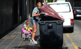 El turista que vive de la basura