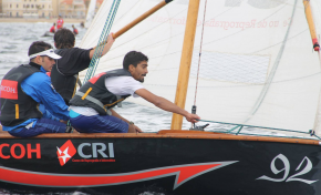 Paseo romero, papagüevos y regata de barquillos por el Día de Canarias en Las Canteras