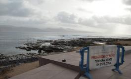 Cerrada al baño la playa de El Confital por un vertido fecal