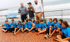 La ciudad felicita al surfista de Las Canteras Luis Díaz