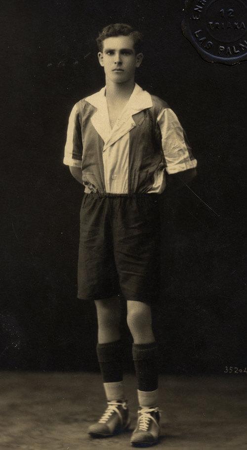 Tito de jugador del R.C. Victoria