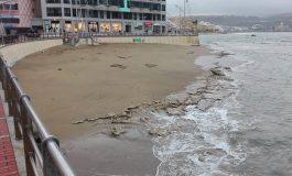 El esplendor rocoso de Playa Chica