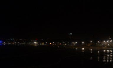 El skyline nocturno de Las Canteras