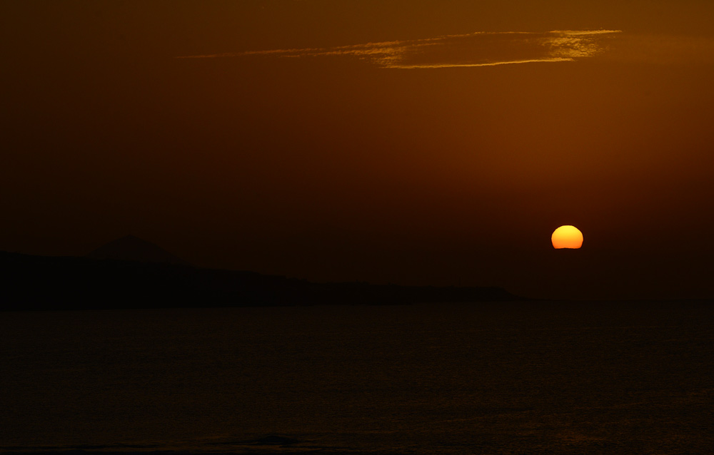 La belleza de las puestas de sol en Las Canteras