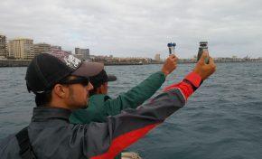 Barquillos de vela latina regateando con viento fuerte