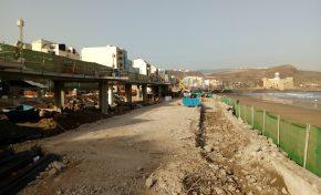 El Ayuntamiento concluye el derribo del viejo paseo de la Cícer para acabar con el desnivel y ganar 2.500 metros de playa