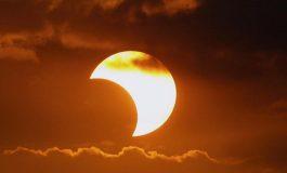 Desde Las Canteras se podrá ver el eclipse solar, pero solo se ensombrecerá un 30% del sol