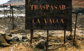 Se inaugura la exposición 'Traspasar la valla', una mirada artística sobre el espacio natural de El Confital en el seno del entorno urbano