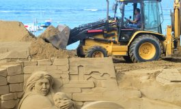 ¿Es sano para la playa enterrar las obras de arena manipuladas del Belén?
